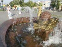 Фонтан на Набережной реки Волга