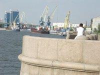 Вид на Астраханский порт